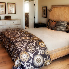 Traditional Bedroom by Luxxe Designs, Inc.