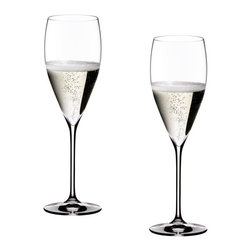 "Riedel - Riedel Vinum XL Vintage Champagne Glass Glasses - Set of 2 - Launched in 2008. Developed from a 1967 model designed by Claus Riedel, originally created for the World Exhibition in Montreal, and rediscovered in 2006 during a tasting panel with Moet and Chandon. Over many weeks, the expert tasters searched for a glass which would be the best ""transmitter"" to highlight qualities of their 2000 Vintage. Ultimately, the glass of choice was the Vinum XL which Moet and Chandon selected above all others to present their legendary 2000 selection."