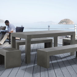 Beliani - Beliani Taranto Modern Concrete Outdoor Dining Set - Create raw simple style in your backyard or on your patio with this modern concrete dining set. If you're a fan of brutalist and minimalist architecture,this outdoor set has plenty of clean lines without ornamentation for an austere presentation.