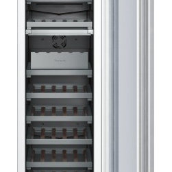 Thermador - 18 inch Built-In Wine Preservation Column T18IW800SP - Freedom to customize. Freedom to go modular. Freedom to integrate your refrigeration with the design of your kitchen. That�s what makes Thermador Freedom Refrigeration the leader in true flush, tall door design. Our refrigeration solutions integrate seamlessly into your kitchen design, with custom fronts and concealed venting grille.