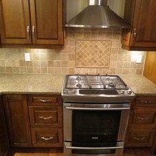Traditional  by VI Granite & Repairs