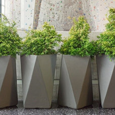 Outdoor Planters by innergardens.com