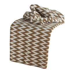 """Rizzy Home - Transitional Brown/White Throw (50"""" x 60"""") - Add a cozy layer of warmth to any bed or sofa with this lovely throw."""