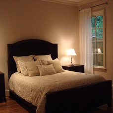 Traditional Bedroom Staging Designs