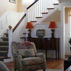 Living Room by Robin Pelissier Interior Design & Robin's Nest