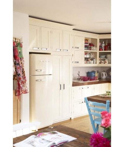 How to add cottage charm to your kitchen for Cath kidston kitchen ideas