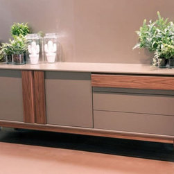 Olimpia Sideboard - Sideboard, lacquered wooden frame. 2 doors and 3 drawers in wood or lacquered wood. Wooden details.