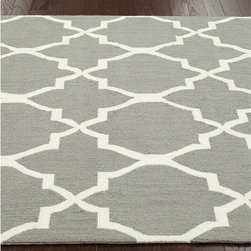 Nuloom - nuLOOM Handmade Lattice Grey Wool Rug (8'6 x 11'6) - Invoke the feel and warmth of a country home with this stunning woolen hand-hooked rug. Meticulously made using a petit point stitches construction,make your favorite space feel right at home.