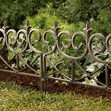 Traditional Fencing by Plow & Hearth