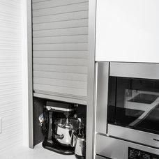 Modern  by Euro Kitchens