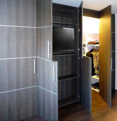 modern closet Line wall to wall wardrobe