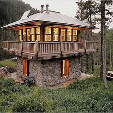 Relaxshacks.com: A gallery of small/tiny log cabins....for all you small house-f