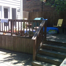 Modern Deck by GEOWEN Custom Carpentry, Inc