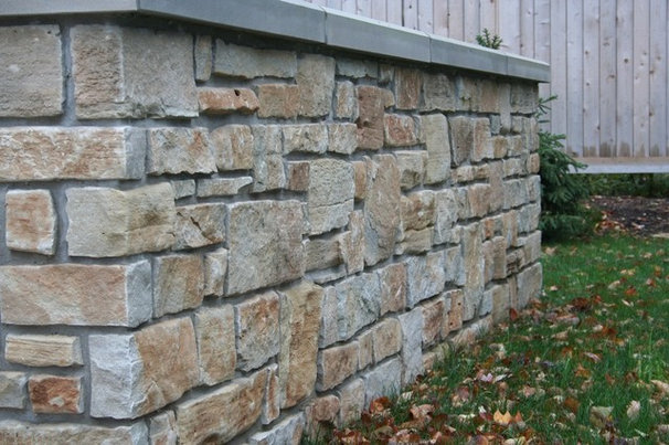 Traditional  by The Quarry Mill Natural Stone Veneer