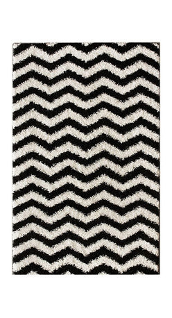 Nuloom - nuLOOM Luna Black and White Chevron Shag Rug (6'7 x 9') - Soft and plush, this NuLOOM shag rug features a bold black and white chevron pattern. The construction of this fun and fashionable area rug is sturdy and will stand the test of time.