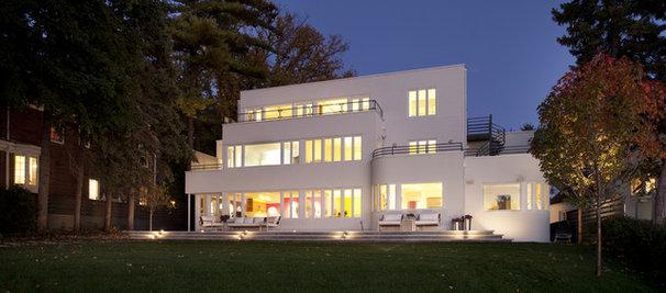 Modern  by Peterssen/Keller Architecture