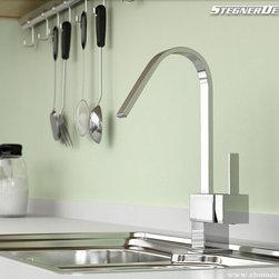 Modern Single Handle Chrome Kitchen Sink Faucet - Features: