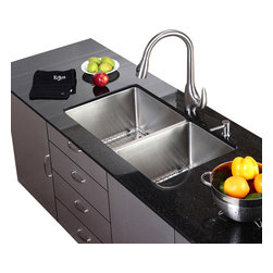 Kraus - Kraus Single Lever Stainless Steel Pull Out Kitchen Faucet - *Update the look of your kitchen with this multi-functional Kraus pull-down faucet