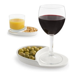 j-me designs - Nibble Coaster - The Nibble Coaster combines two pleasures which go hand in hand – food & drink. Be a fantastic host by serving nuts, olives, crisps, pretzels, biscuits or any other nibble together with a favorite drink. This sleek & simple design will make you the envy of all your guests.