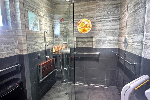 Modern Bathroom by BY DESIGN Builders