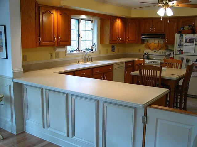 Traditional Kitchen Countertops by Replacementcounters.Com