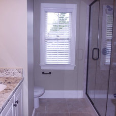 Traditional Bathroom by Grainda Builders, Inc.