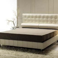 Modern Beds by Italy Design