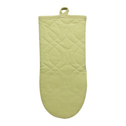KAF Home - Neoprene Oven Mitt - Pear, Set of 4 - Our neoprene oven mitts are stylish, comfortable, and safe. Available in a variety of striking colors, these oven mitts are perfect for handling anything that can go in the oven. The neoprene grip offers a firm hand hold on any dish.