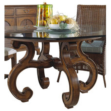 Traditional Dining Tables by Carolina Rustica