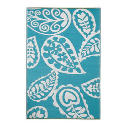 Fab Habitat Paisley Indoor/Outdoor Rug, River Blue and White - Add a punch of color with this beautiful blue printed rug.