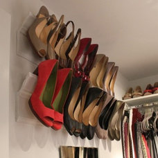For the Home / Crown Molding as a shoe rack. Nice idea.