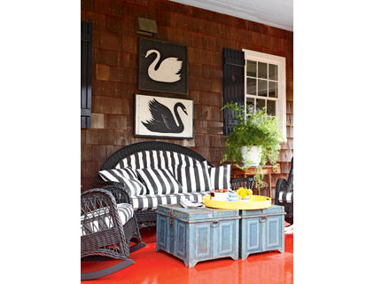 Porch Mixing Traditional and Contemporary - MyHomeIdeas.com