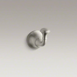 KOHLER - KOHLER Fort�(R) traditional single robe hook - Inspired by the timeless style of Fort� faucets, this robe hook is well suited for bathrooms with classic decor. Constructed of premium metal, it offers a convenient place for hanging clothes, towels, or robes.