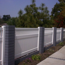 Traditional Home Fencing And Gates by Finyl Vinyl