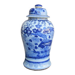 Golden Lotus - Chinese Blue&White Porcelain Flower Bird Temple General Jar - This is a Chinese decoration jar in blue & white color with flower and bird painting.