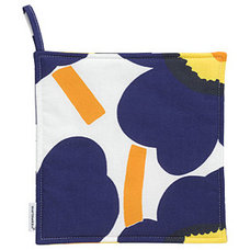 Modern Oven Mitts And Pot Holders by Marimekko