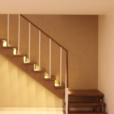 Contemporary Staircase by AKDA