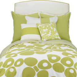 Oilo - Full/Queen Modern Berries Duvet, Spring Green - The pop-y design of this duvet is great for a modern home. It's playful and crisp, especially with the striped side folded over for contrast. This youthful shot of energy is just what your bedroom needs.