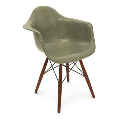 Modernica Dowel with Swivel Base Arm Shell Chair - The Case Study Fiberglass Dowel Chair with swivel base is an essential for the modern home and with so many options—it is possible to create your own one-of-a-kind chair. The shell is available in a myriad of colors. Choose your wire-frame in either zinc-plated steel or black powder-coated steel, and finish your design by choosing either solid maple dowels or solid walnut dowels.