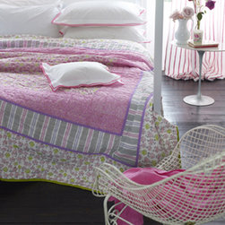 Designers Guild - Forget Me Not Peony Quilt - Forget Me Not Peony Quilt