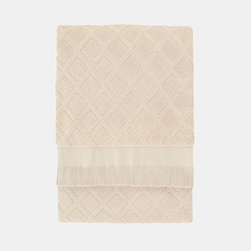 Soft White Bath Towel - Get wrapped up in these super absorbent bath towels. Made from 100% handwoven Turkish cotton, these guest-ready towels have a subtle trellis design you'll love.
