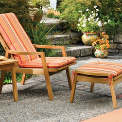 """Oxford Garden Siena 19"""" Side Table & Ottoman - This ottoman can be used as a table, footrest or seat. Beautifully sculpted arms create comfort and a sophisticated style. Makes a great add-on to the Siena Reclining Armchair."""