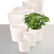 Modern Indoor Pots And Planters by Scheurich Shop