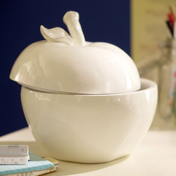 The Big Apple - You might have already noticed I have a thing for apple-shaped containers. Well, here's another for me to covet. Priced on sale at about $15, it's as affordable as it is adorable.