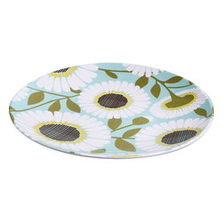 Pool Daisy Melamine Plate - No fresh flowers available? No worries. Brighten up your table with the fresh blooms on this plate!