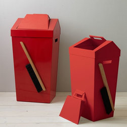 Brendan Ravenhill Dustbin, Red - I love this bin. Both the dustpan and brush are attach right to it, making the set just one less part of the kitchen clutter.