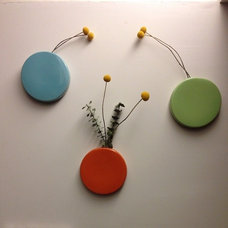 Modern Indoor Pots And Planters Wall vases with billy buttons