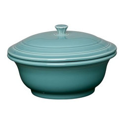 Fiesta Turquoise Covered Casserole 70 oz. - About FiestaAmerica's favorite dinnerware line, Fiesta was introduced by the Homer Laughlin China Company in 1936. Available in plenty of bright, vibrant colors and unique shapes, Fiesta dinnerware and serveware features Art Deco-style concentric rings. Made from durable, restaurant-quality ceramic and finished in lead- and cadmium-free glazes, this line of kitchenware is easy to mix and match to create your own custom set. Best of all, each piece is microwave- and oven-safe, and dishwasher-safe for easy cleanup.