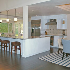 Traditional Kitchen by Hochuli Design & Remodeling Team