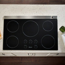 """Dacor Renaissance 30"""" Induction Cooktop - With today's modern kitchen consuming as much as 40% of all household energy, the earth-friendly Renaissance 36"""" and 30"""" Induction Cooktops by DACOR cook with over 90% energy efficiency, making induction the fastest and most energy efficient form of cooking on the planet today."""